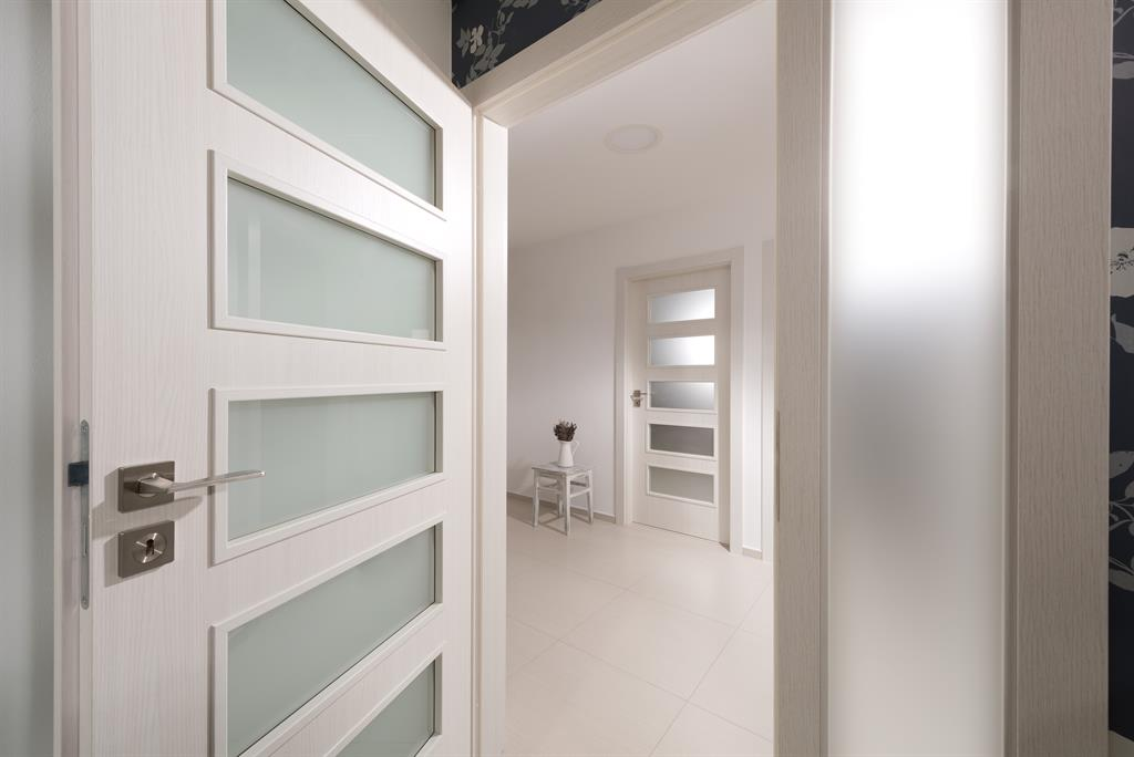 detail-modernich-designovych-dveri-1