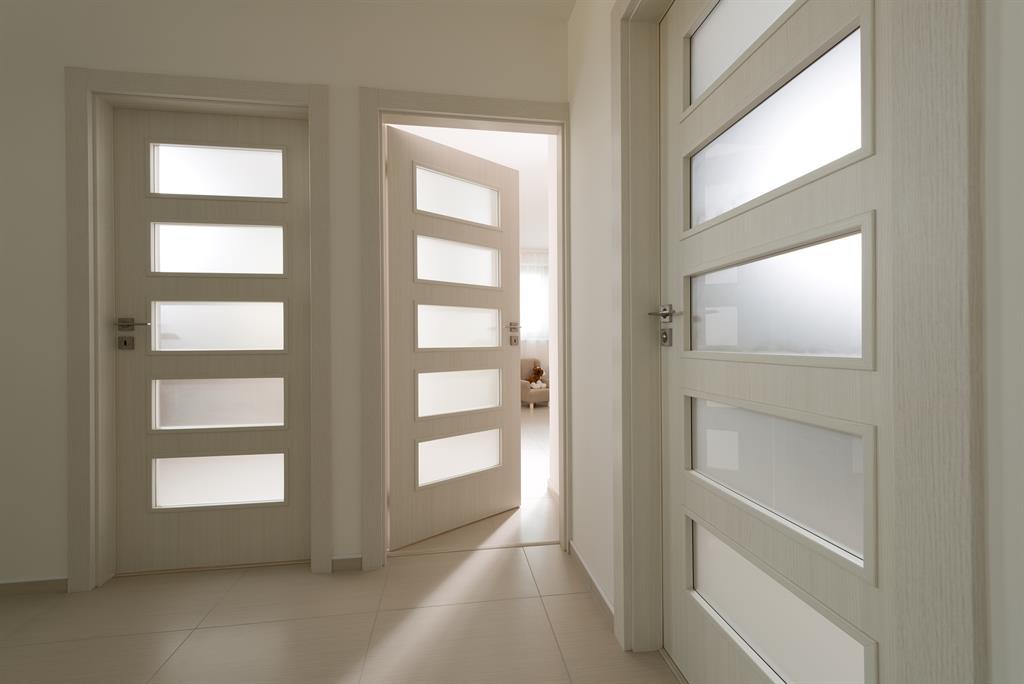 -dvere-do-moderniho-rodinneho-domu-2